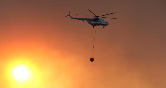 Manavgattaki orman yangını havadan görüntülendi, gökyüzü dumana büründü