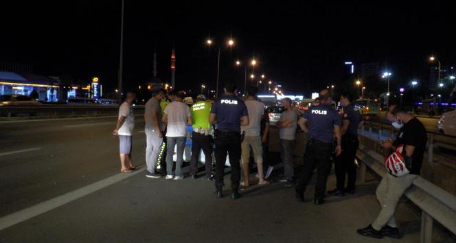 Kartal D-100 Ankara istikametinde 2 ayrı zincirleme trafik kazası: 2 yaralı