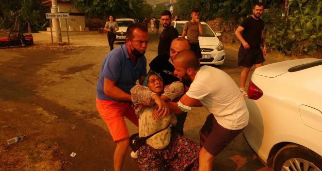 Antalyada yangın bir mahalleye daha sıçradı, vatandaşlar canını zor kurtardı