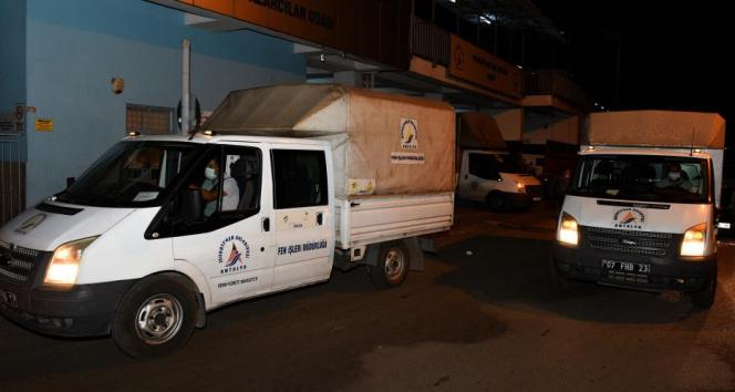 Muratpaşadan Manavgata 15 araç yardım malzemesi