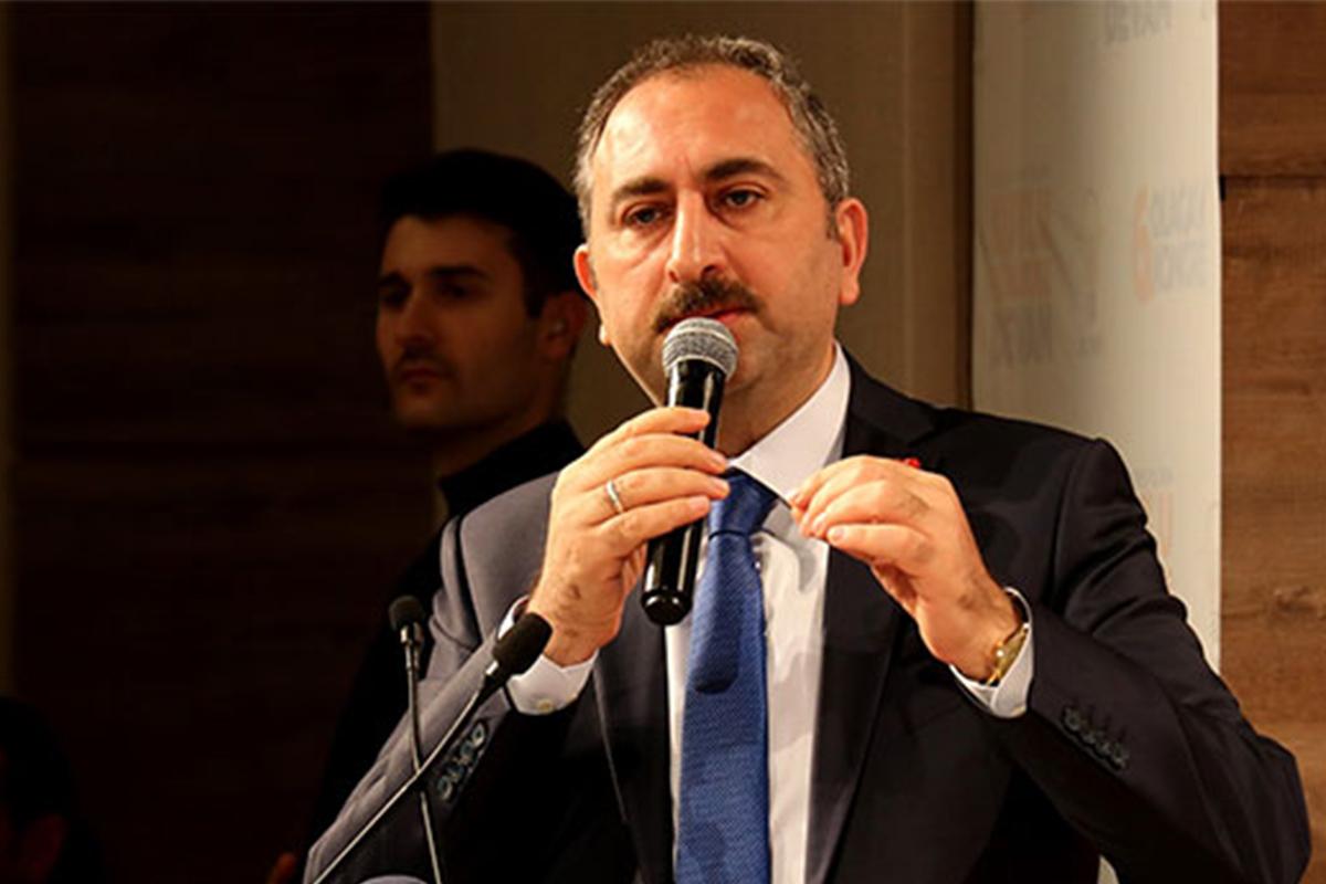 Adalet Bakanı Gül: 'Konya'daki cinayetler Başsavcılık talimatları çerçevesinde çok yönlü soruşturulmaktadır'