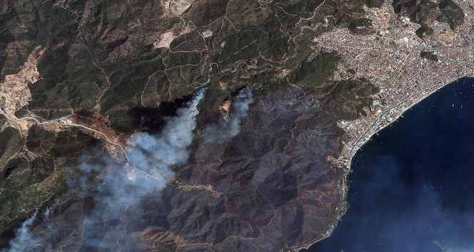 Marmaris ve Manavgat yangını uzaydan görüntülendi