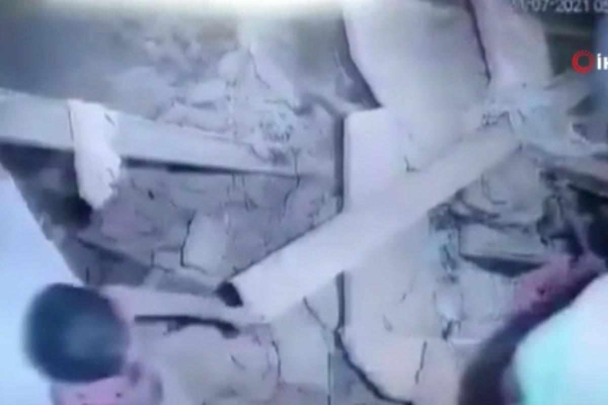 Hindistan'da hapishane duvarı çöktü: 22 yaralı