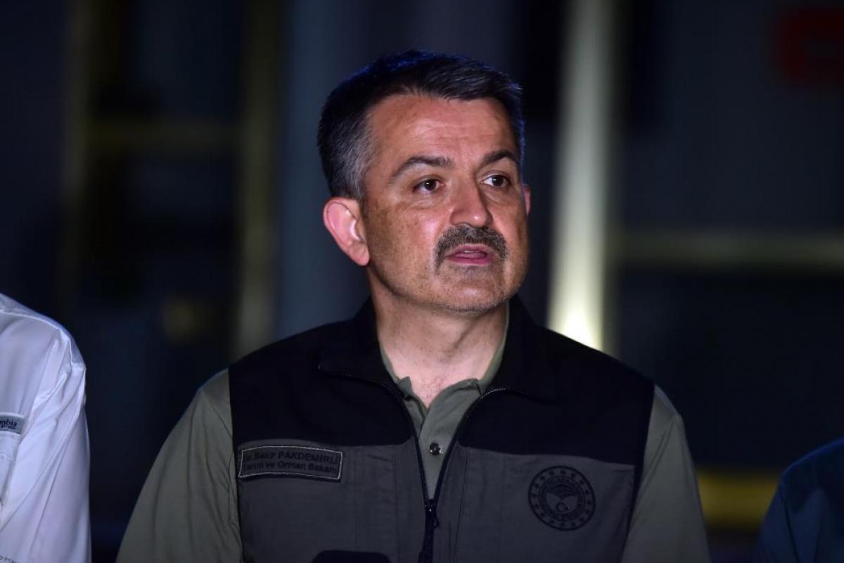 Tarım ve Orman Bakanı Bekir Pakdemirli yangınlarla ilgili son verileri açıkladı!