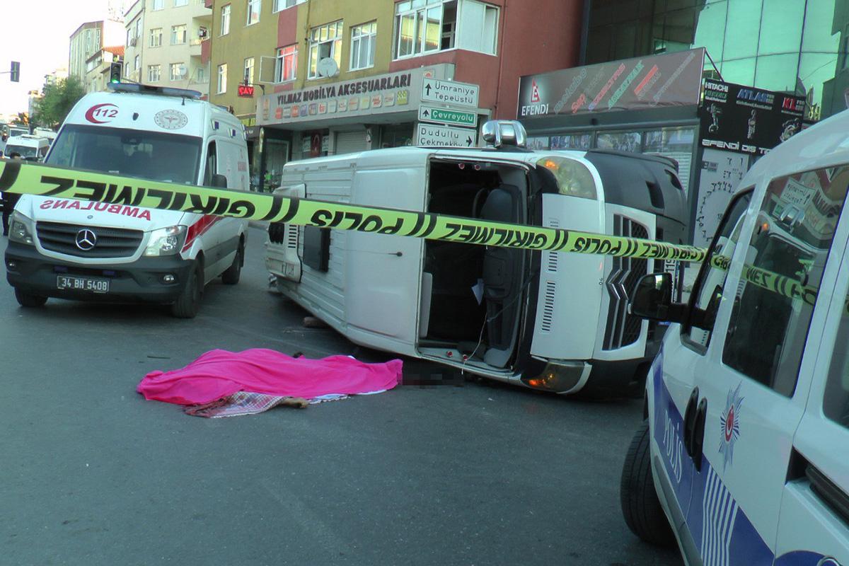 Ümraniye'de 1 kişinin öldüğü 6 kişinin yaralandığı minibüs kazası kamerada