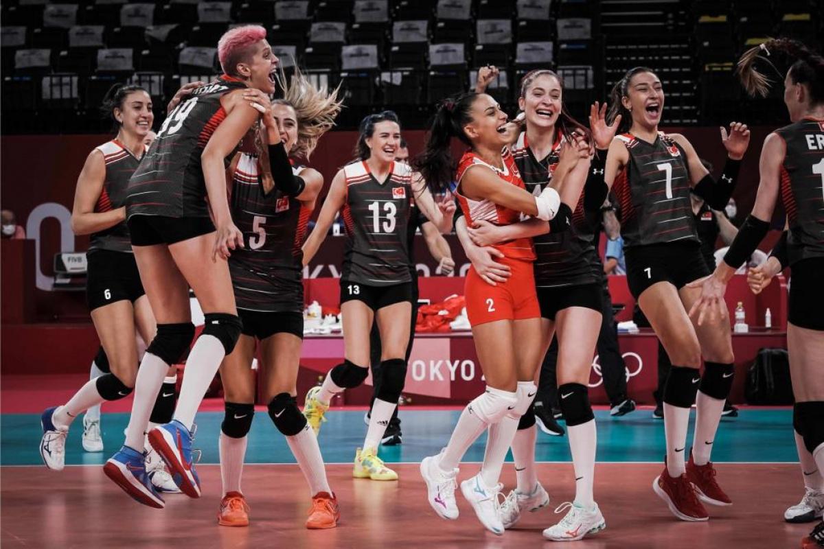 Filenin Sultanları tarih yazıyor! Türkiye 3-2 Rusya