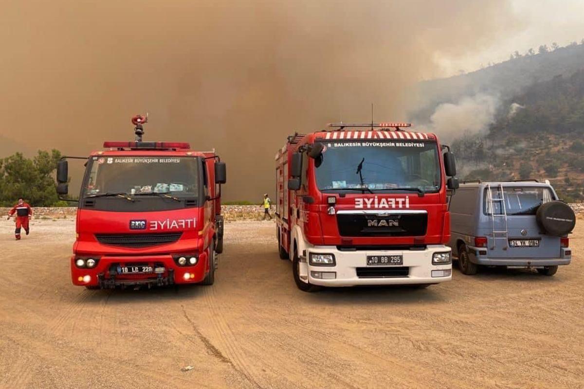 Balıkesir'den Marmaris yangın bölgesine ikinci ekip yola çıktı