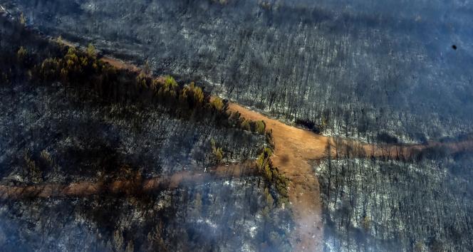 Marmariste orman yangınlarına yapılan müdahale helikopterden görüntülendi
