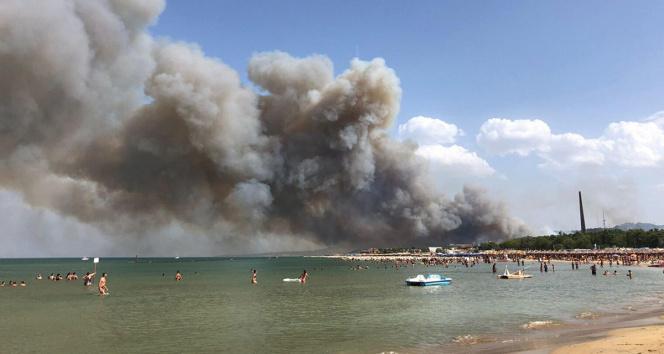 İtalyada orman yangınları ile mücadele sürüyor