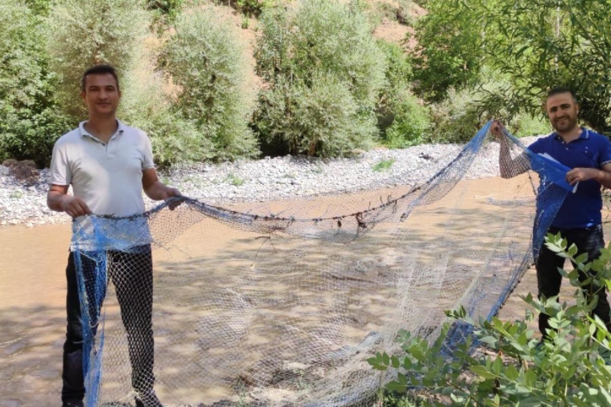 Van'da kaçak avlanılan 15 kilo sıraz balığı ele geçirildi