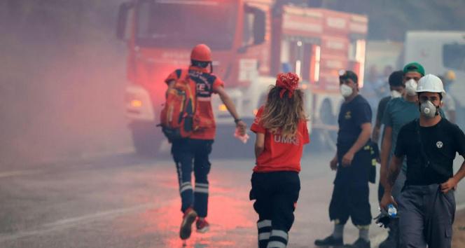 Muğladaki yangının gizli kahramanları yoğun çaba sarf ediyor