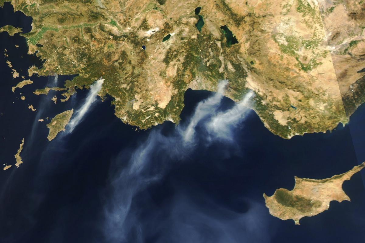 Köyceğiz yangınının dumanları Rodos'a ulaştı