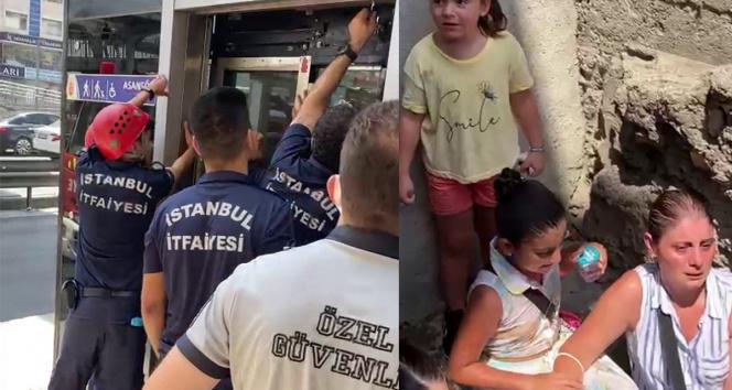 Avcılarda sıcak havada metrobüs asansöründe mahsur kaldılar