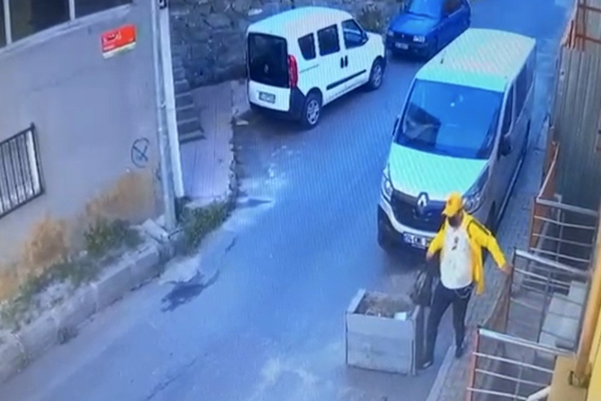 Böyle dolap görülmedi, duvara delik açıp 130 bin TL'lik saati çaldılar