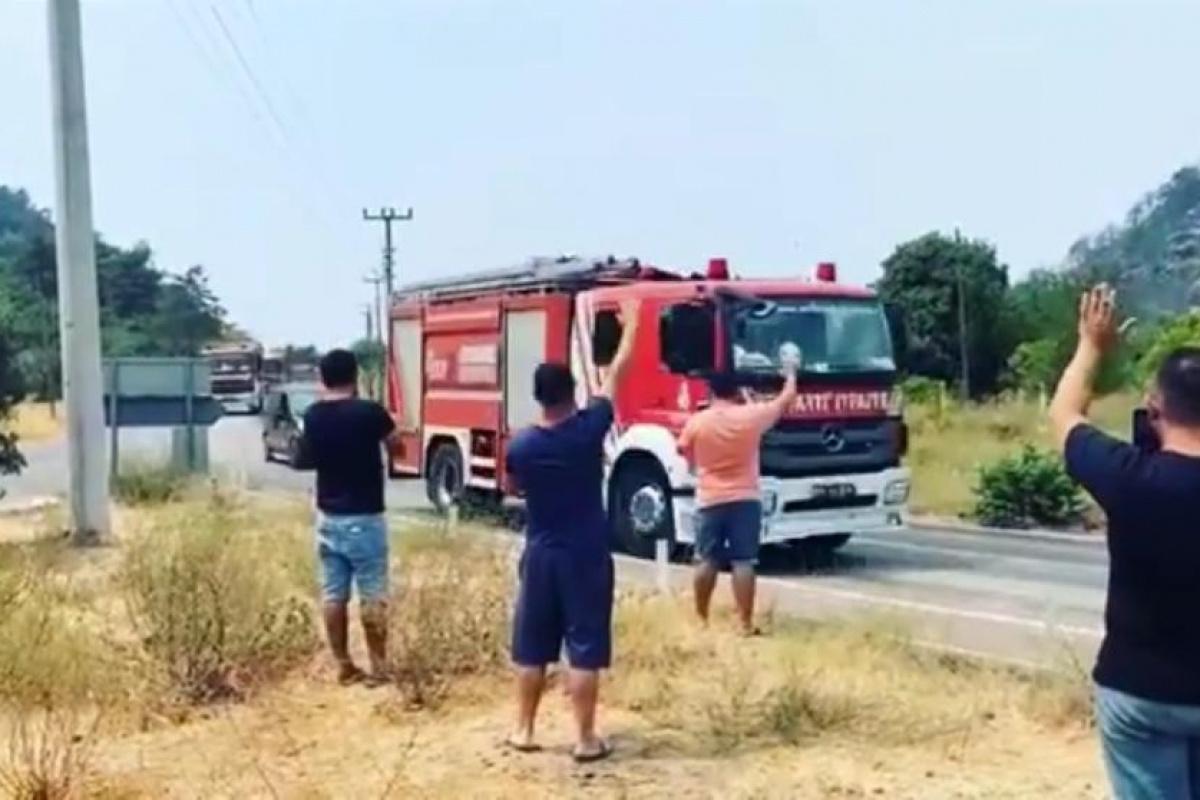 Marmaris'te 2 mahallede söndürme çalışmaları tamamlandı, itfaiye ekipleri alkışlarla uğurlandı