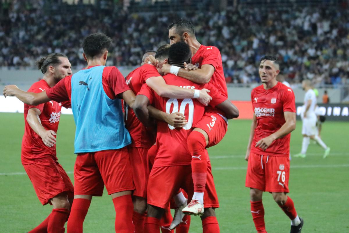 Sivasspor son dakikada güldü!