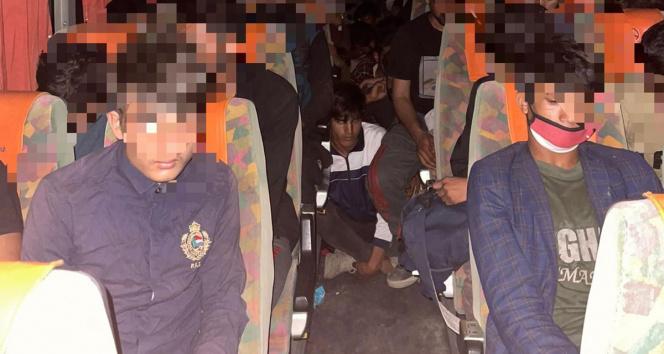 Yolcu otobüsünde 68 kaçak göçmen yakalandı