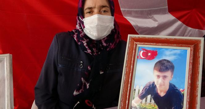 Evlat nöbetindeki anne Ay: HDP olmasaydı kimse çocukları dağa götürmezdi