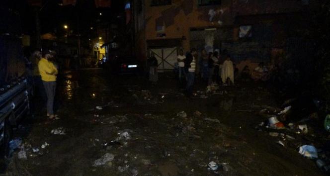 Şiddetli yağış etkili oldu, heyelan meydana geldi