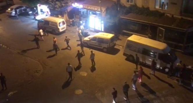 Sokak ortasında bıçaklı tekme tokat velayet kavgası