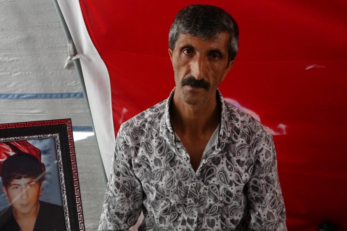 Evlat nöbetindeki babadan HDP'ye: 'Kandil'in partisisin, Kürt'ü hiçbir zaman savunmadın'