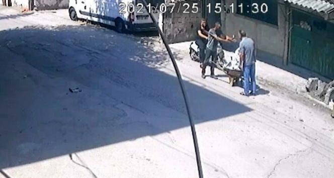 Hırsızlık şüphelisi ile vatandaş arasındaki Çaldın, çalmadım tartışması kamerada