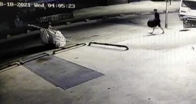 Ataşehirde pes dedirten hırsızlık : Rögar kapağını çaldılar