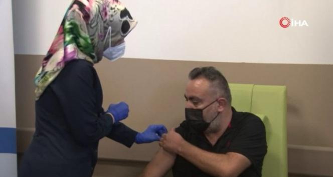 Türkovac Kayseri Şehir Hastanesinde gönüllülere uygulandı