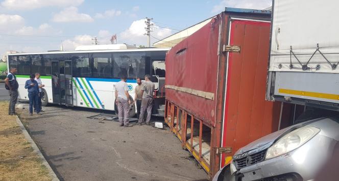 Tekirdağda facianın eşiğinden dönüldü: Freni boşalan halk otobüsü 7 araca çarparak durdu