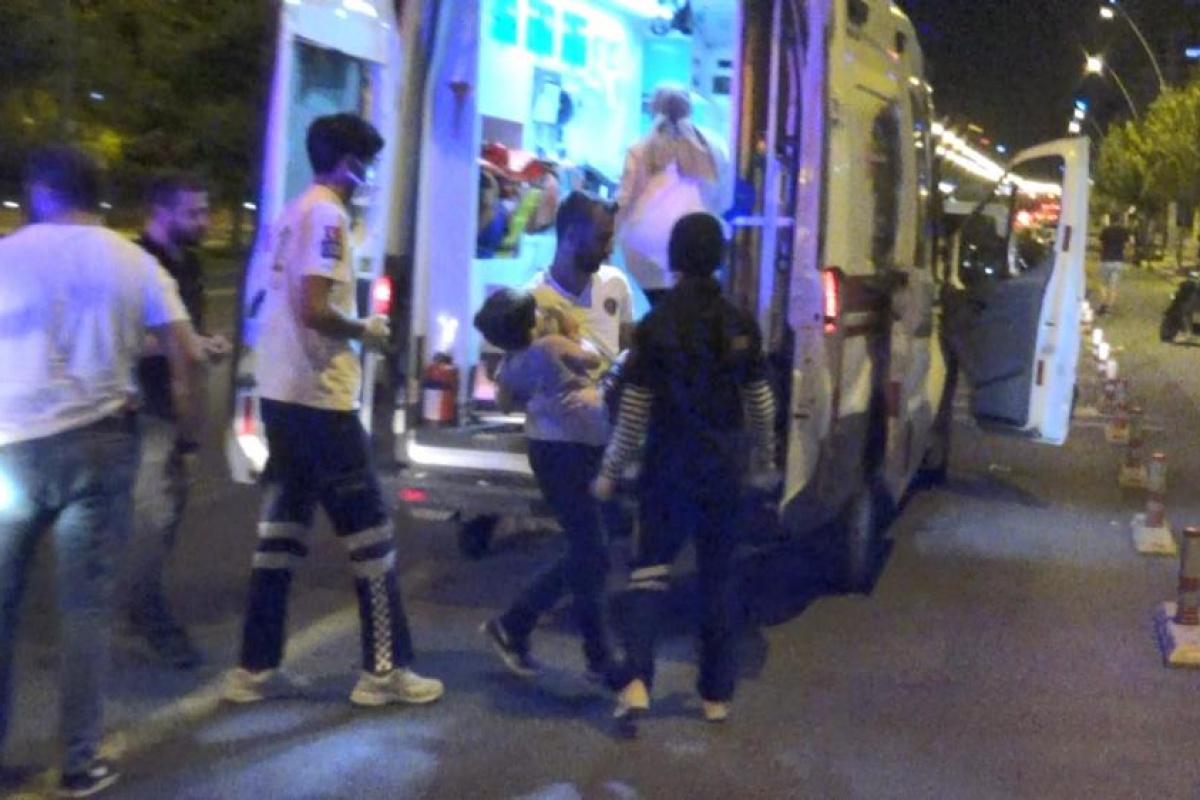 Husumetlilerini tarayan saldırganlar, yoldan geçen baba ve oğlunu da yaraladı