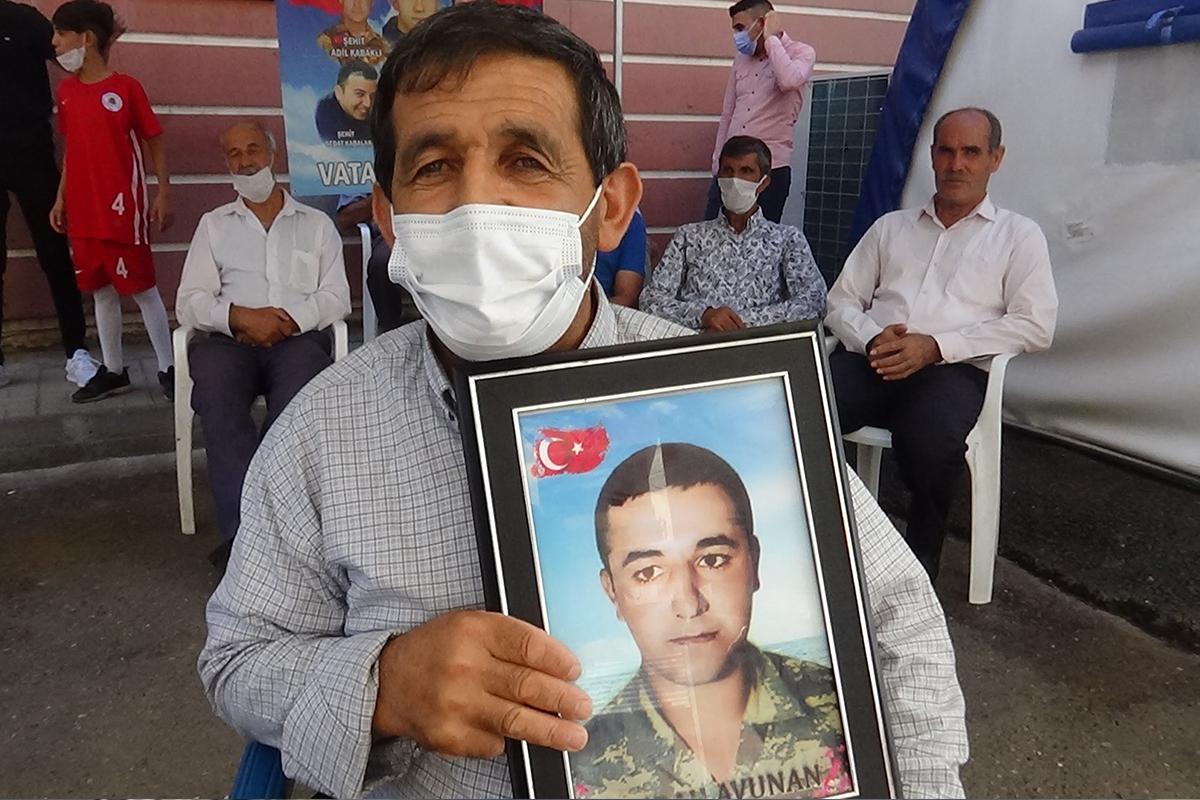Evlat nöbetindeki asker babası: 'Ben oğlum bırakılmadan buradan asla gitmem'