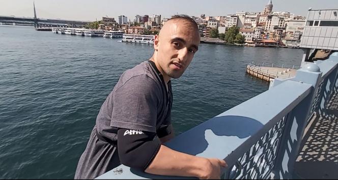 Galata Köprüsünden tekneye atlayan fenomen gözaltına alındı