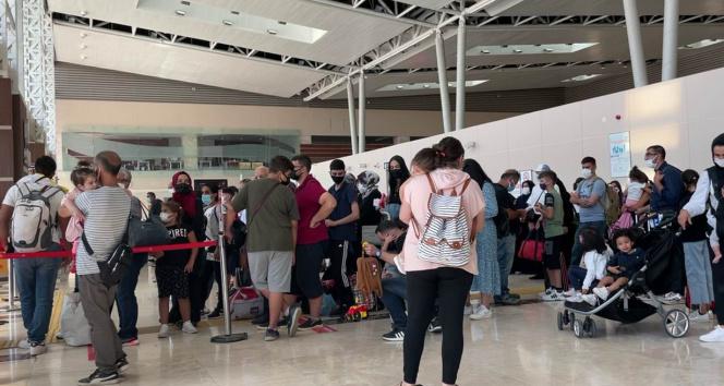 THYnin seferlerindeki gecikmeler aktarmalı yolcuları zora sokuyor