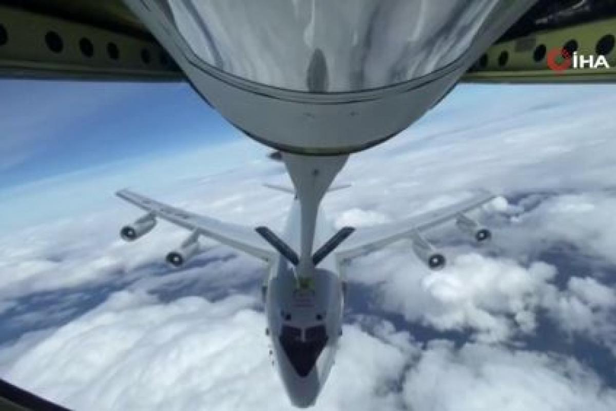 Türk Hava Kuvvetleri, NATO'ya ait uçağa havada yakıt ikmali yaptı!