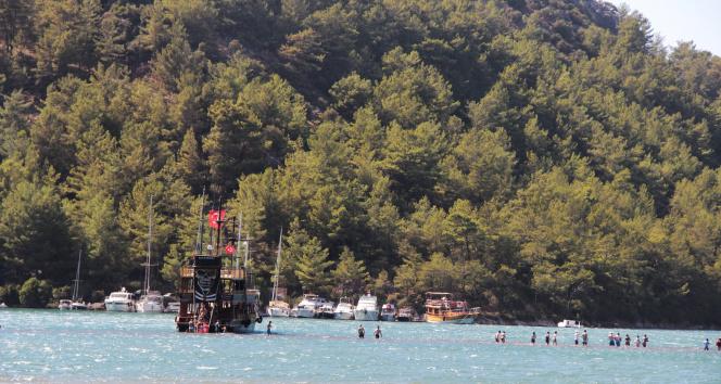 Afet bölgesine yerli turist desteği