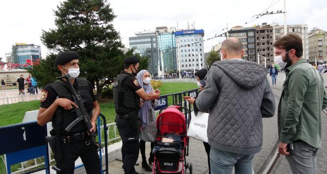 Endonezyalı çocuk turist Taksim Meydanında kayboldu, polisin çabasıyla annesine kavuştu