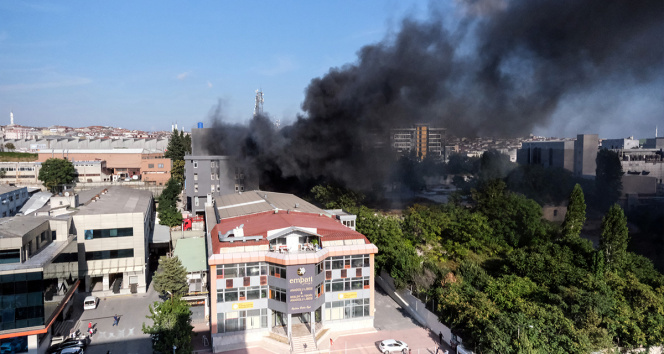 Bahçelievlerde mobilya fabrikasında yangın