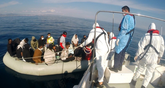 İzmir açıklarında 184 düzensiz göçmen kurtarıldı