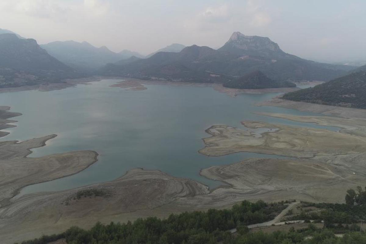 Kozan Barajı'nda korkutan kuraklık: Su seviyesi yüzde 40 düştü