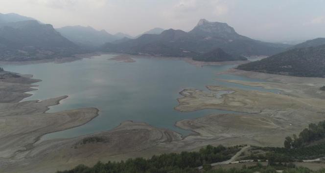 Kozan Barajında korkutan kuraklık: Su seviyesi yüzde 40 düştü