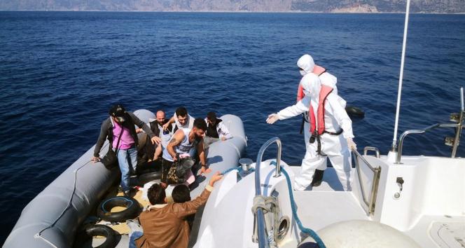 Marmariste 15 düzensiz göçmen kurtarıldı