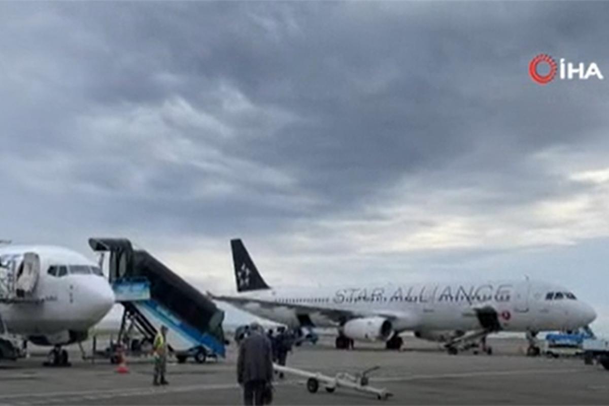 Anadolu Jet rötarları yolcuları mağdur ediyor
