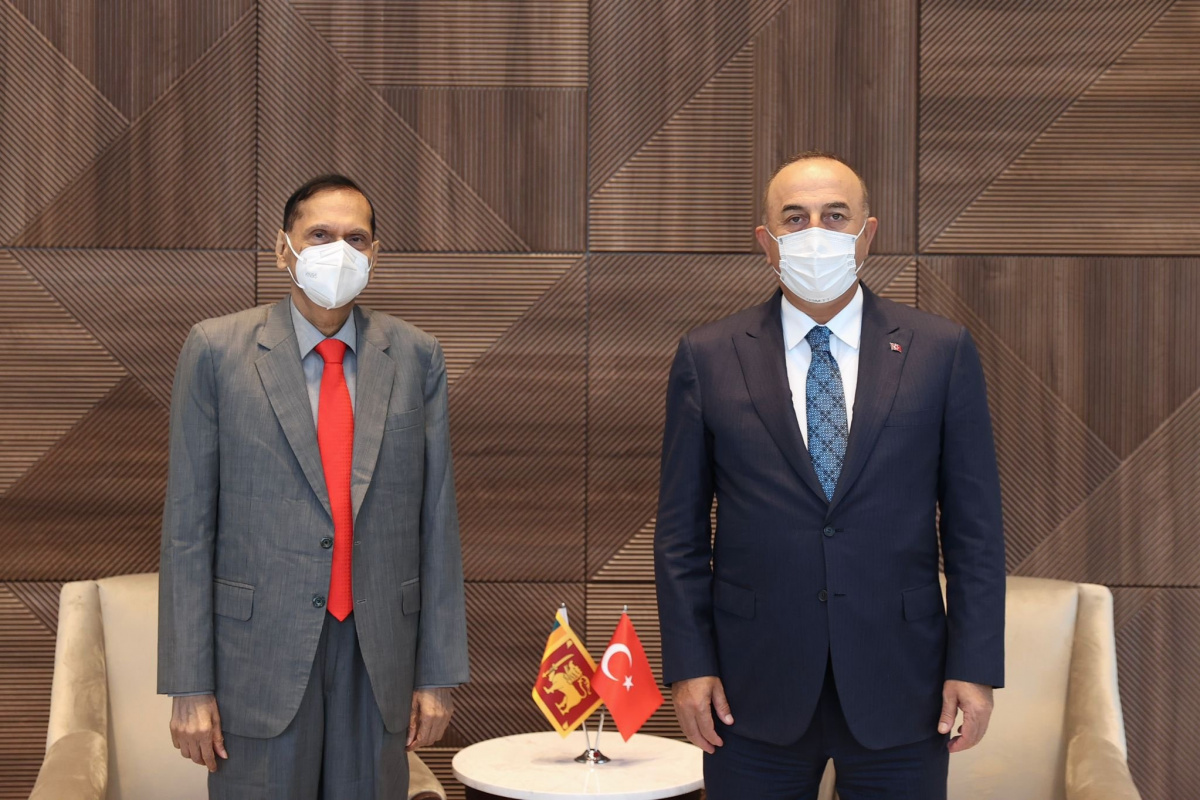 Bakan Çavuşoğlu, New York'ta Sri Lankalı mevkidaşı Peiris ile görüştü