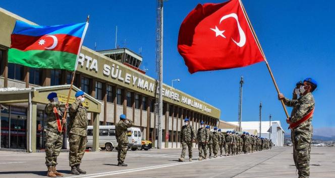 MSB: Azerbaycan ve Somalili misafir askerler komando eğitimlerini başarıyla tamamladı