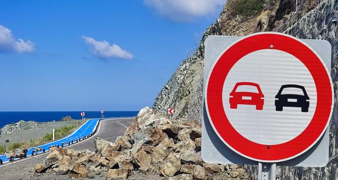 Hatayda heyelan: Samandağ-Arsuz yolu trafiğe kapandı