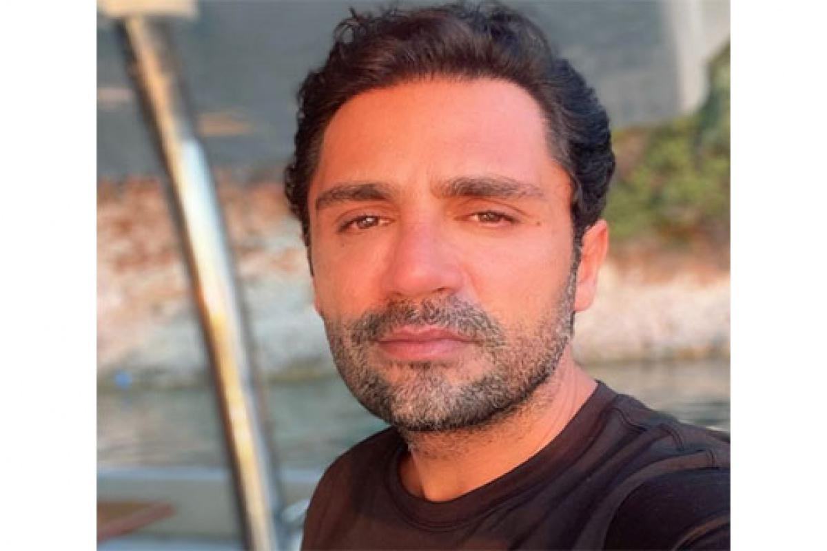 Şarkıcı Yaşar İpek THY'ye isyan etti
