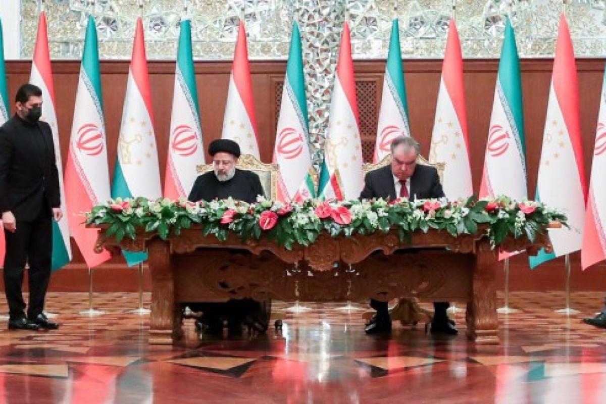 İran ile Tacikistan arasında iş birliği anlaşmaları imzalandı