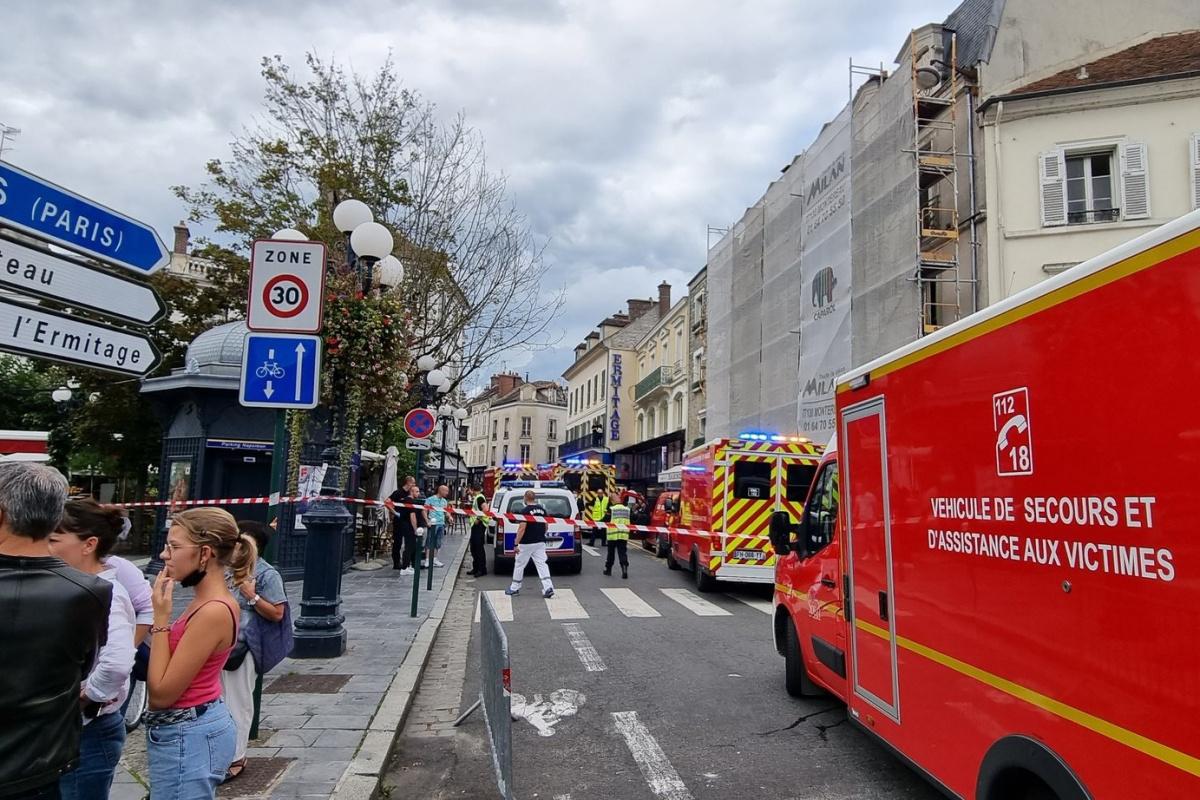 Fransa'da bir sürücü iki restorana daldı: 6 yaralı