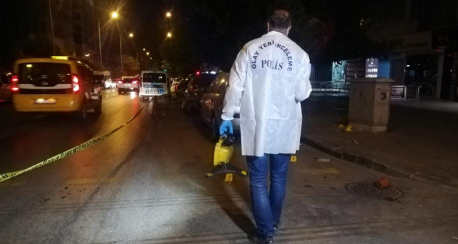 İzmirde alacak verecek tartışması silahlı kavgaya dönüştü: 1 ölü, 2 yaralı