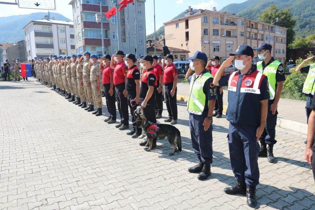 Afet bölgesinde görev yapan jandarma ve AFAD personeline teşekkür belgesi verildi